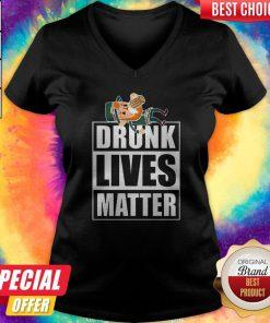 Cute Leprechaun Drunk Lives Matter V-neck