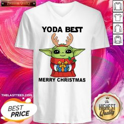 Nice Yoda Reindeer Best Merry Christmas V-neck